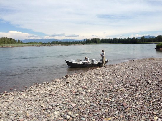 Bigfork Anglers: Driftboat on the Flathead River