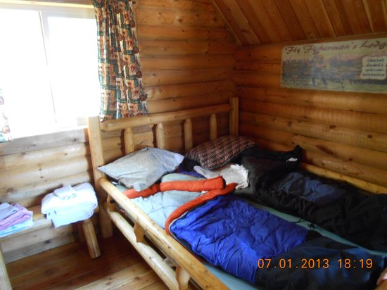 Nugget RV Park : Inside Cabin 2.  Has a double and a bunk bed.