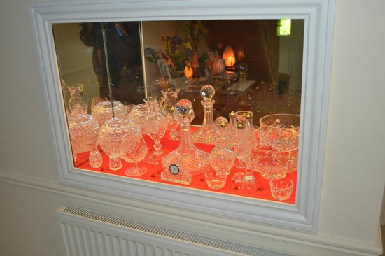 Edencrest Bed and Breakfast: A Beautiful Waterford Crystal Display in Foyer