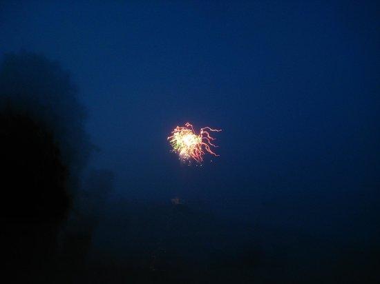 Coleman's Resort: Fireworks on the bay