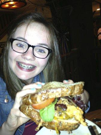 Woodstock Inn Station & Brewery: Barnyard burger!
