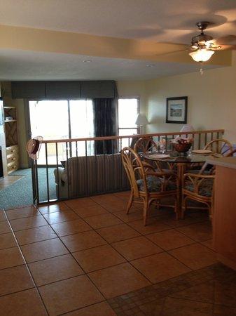 Aquamarine Villas: Kitchen & living room areas