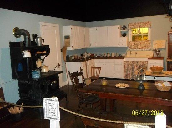 Schuyler, VA: Replica in the museum of the Walton Kitchen