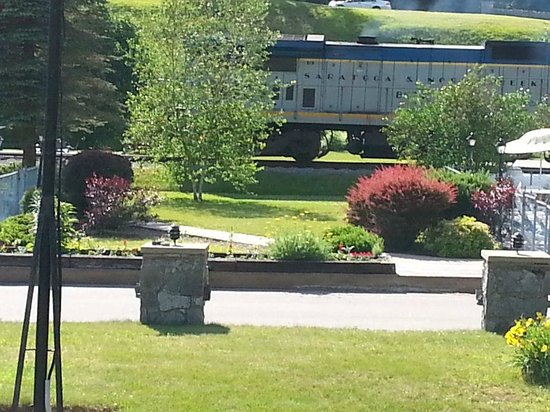 Stony Creek Ranch Resort: Train that come to the ranch