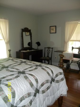 Schuyler, VA: THE ACTUAL Master Bedroom in the ACTUAL Walton House