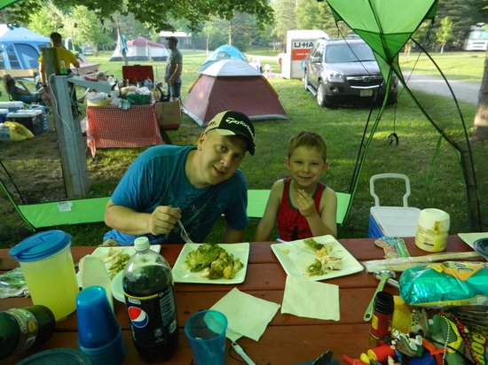 Lake Glory Campground: Enjoying our time here, large sites