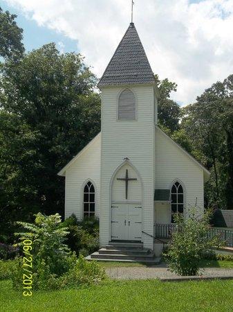 Schuyler, Wirginia: The Walton's Church