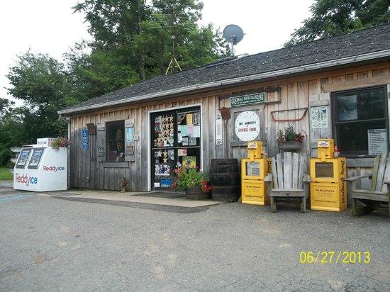Schuyler, Wirginia: Ike Godsey's store