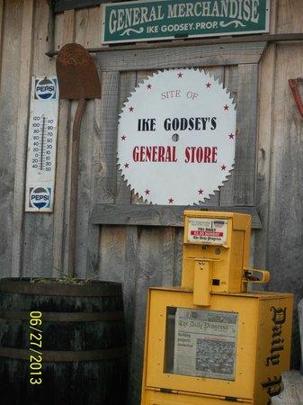 Schuyler, VA: Ike Godsey's Store