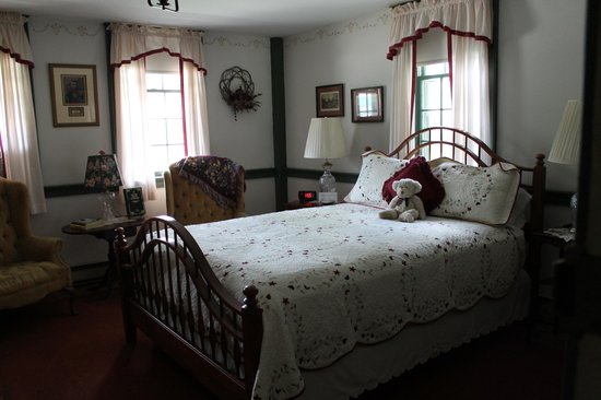 The Old Mystic Inn: Guest Room