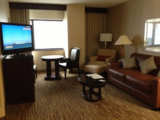 DoubleTree Suites by Hilton Hotel Columbus Downtown: Spacious and comfortable furnishings