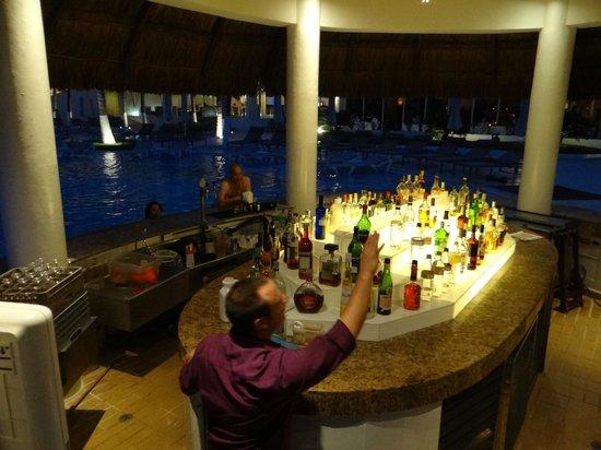 Le Blanc Spa Resort : pool bar