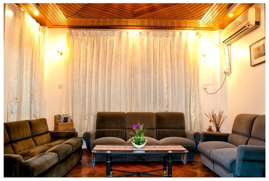 Wai Wai's Place : Living room