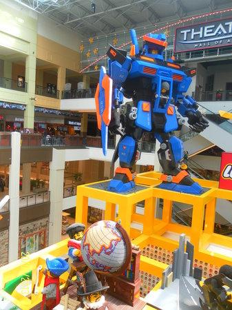 Lego Giant Robot - Foto de Lego Imagination Center