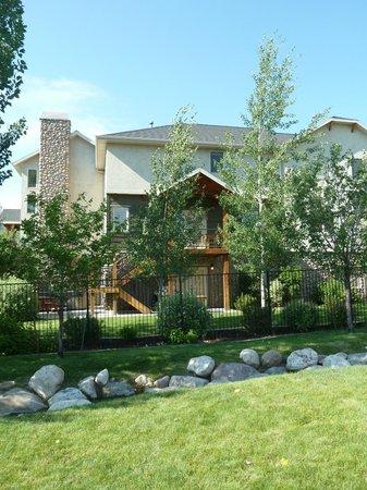 Moose Hollow Luxury Condominiums : Moose Hollow Cascades