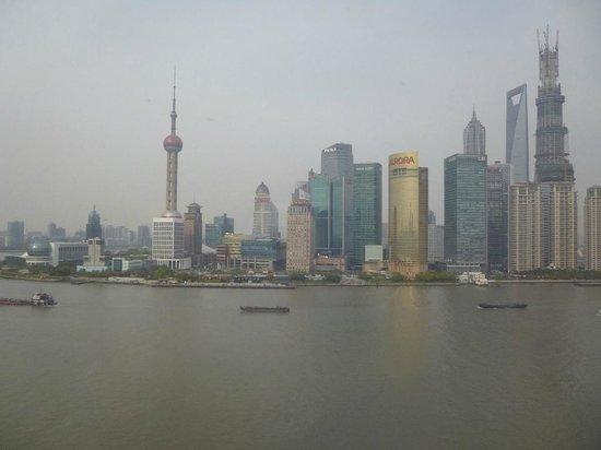 Les Suites Orient, Bund Shanghai : Morning view- Hangpau River and Pudong side