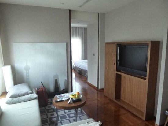Les Suites Orient, Bund Shanghai : The lounge at the suite