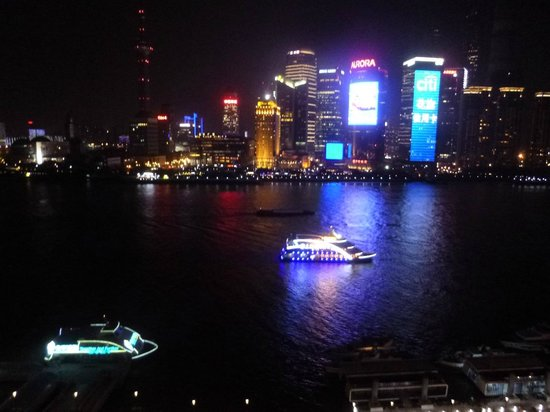 Les Suites Orient, Bund Shanghai : Night view- Huangpau River and Pudong side