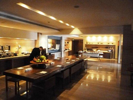 Les Suites Orient, Bund Shanghai : Breakfast
