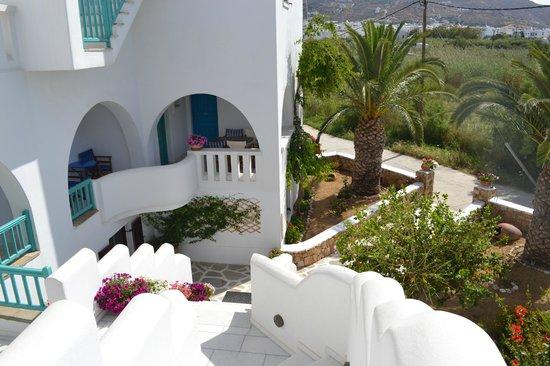 Villa Naxia Studios-Apartments: the view coming down the stairs at Villa Naxia