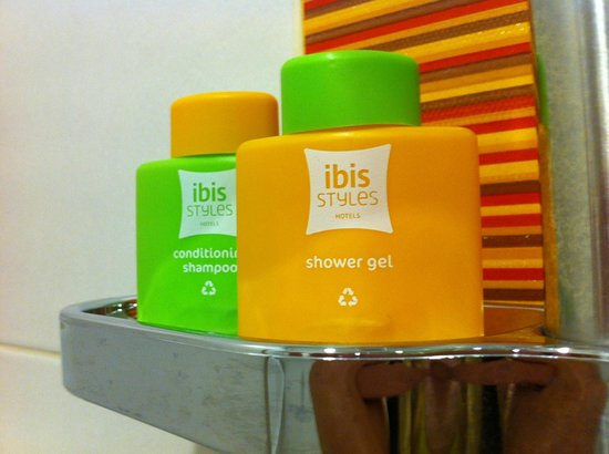 Ibis Styles KL Cheras: Eye catchy color of shampoo/shower gel