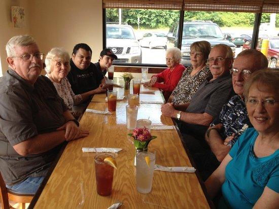 Dan's Grill: Family & friends