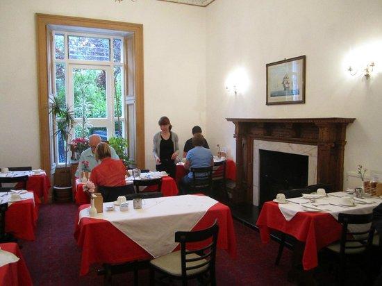 Terrace Hotel: Breakfast Room