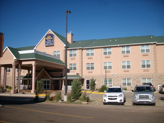 Quality Inn & Suites : Hotel front