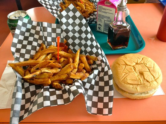 Fritzie's Drive-In: Burger & fries