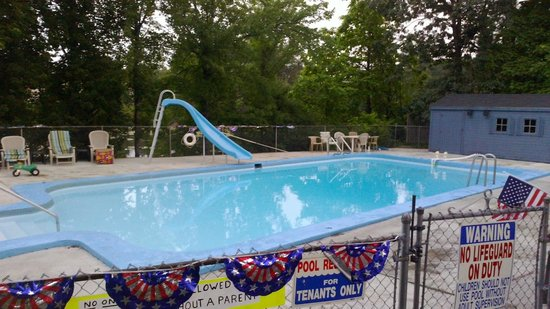 Caza Manor Motel: Pool