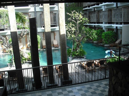 The Oasis Lagoon Sanur: From foyer to public pool area.