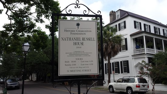 Nathaniel Russell House: Street Sign