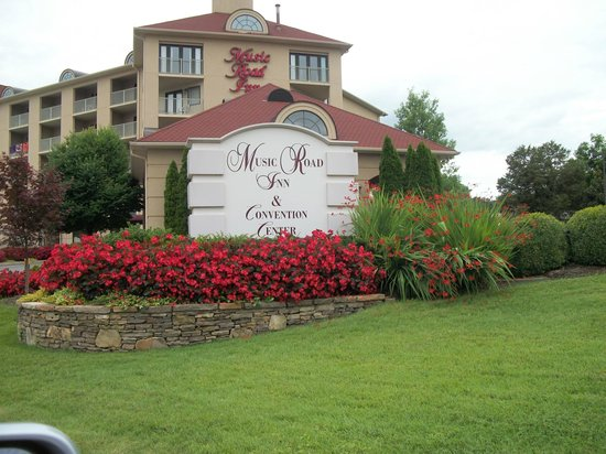 Music Road Resort Inn: Beautiful facility and well kept
