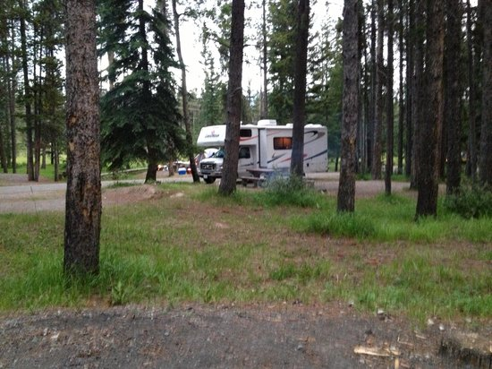 Tunnel Mountain Village 1 Campground: Book on outer loop for privacy