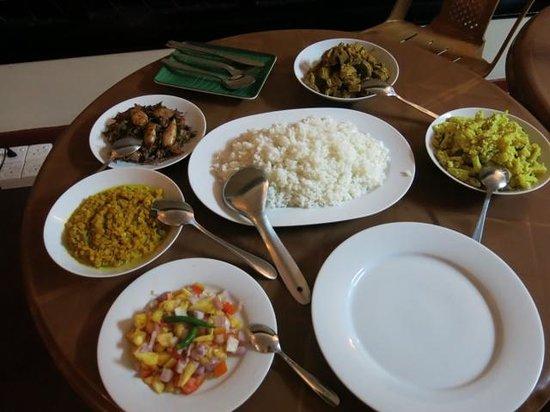 Avon Hikkaduwa Guest House : More food...