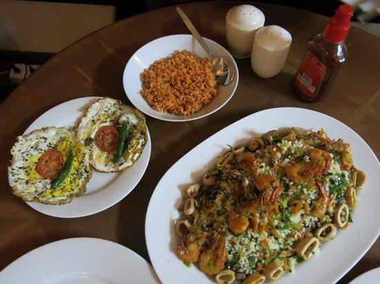 Avon Hikkaduwa Guest House : Delicious Sri Lankan food