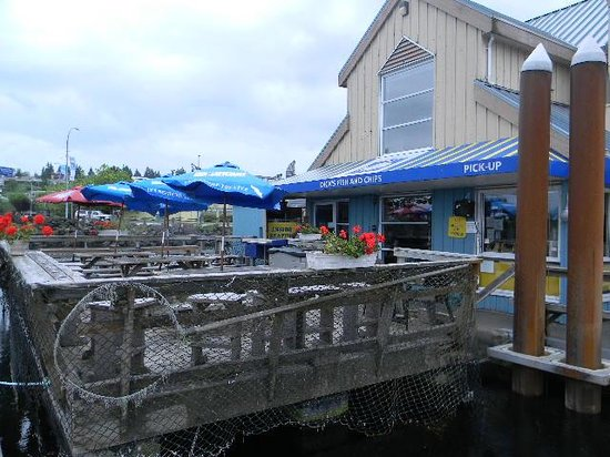 Dicks Fish & Chips - MOVED: Dick's floating deck