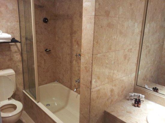 Citiclub Hotel: Bathroom