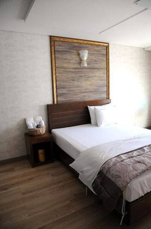Hansan Hotel Condo