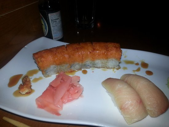 JH Chen Asian Bistro : Titanic Roll and Yellowtail sushi...yuuuum!