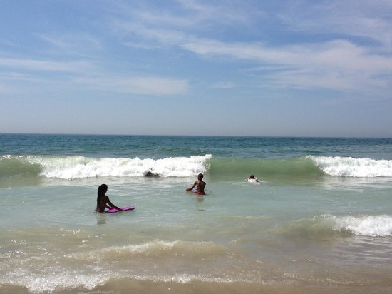 Misquamicut State Beach: Clean water, great surf!