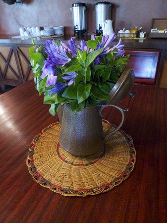 Hacienda Manteles : Fresh flowers