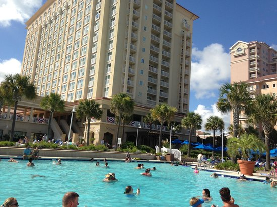 Myrtle Beach Marriott Resort & Spa at Grande Dunes: By the poolside.