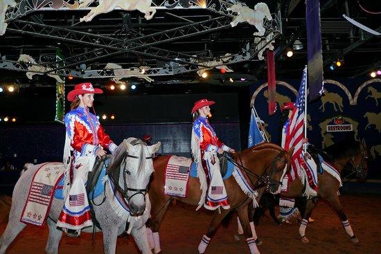The Dancing Horses Theatre: Finale