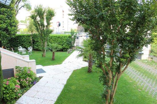 Residence Villa Mainard : View from bedroom