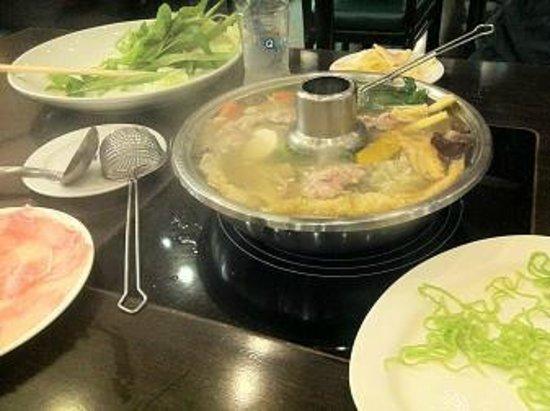 COCA Siam Square: タイスキの鍋