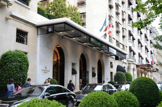 Front of George V - Picture of Four Seasons Hotel George V Paris, Paris - TripAdvisor