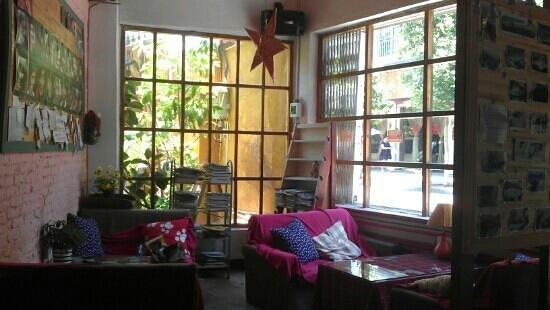 Kunming Cloudland Youth Hostel : Cafe area