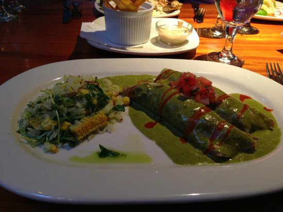 Reposado Restaurant: Crepas con Mariscos (enchiladas with seafood)