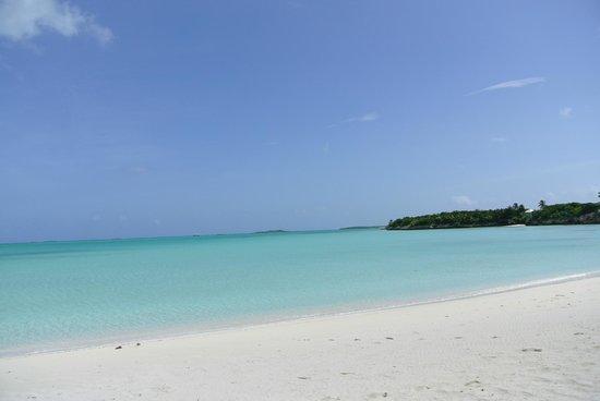 Hideaways at Palm Bay: Jolly Hall Beach, near the hotel